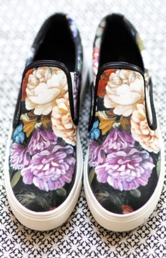 """alt=""""floral-shoe"""""""