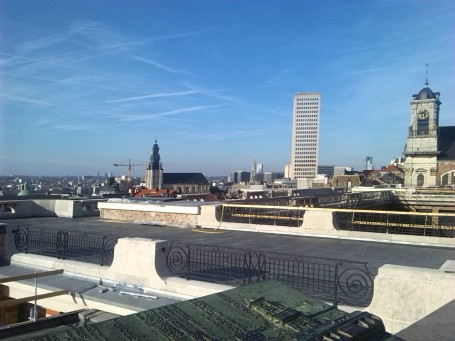 "alt=""brussels skyline"""