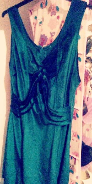 alt=<Green dress>
