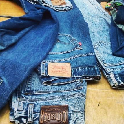 alt=<jeans>