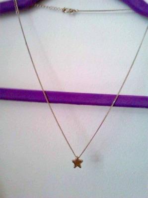 alt=<star necklace>