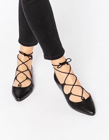 alt=<ghillie shoes>