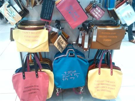 alt=<slogan handbags>