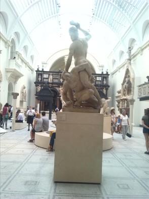 alt=<sculpture at V & A>