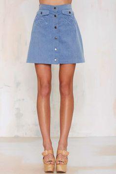 alt=< a line skirt with pockets>