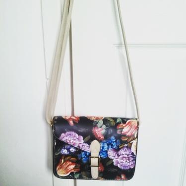 alt=<floral satchel>