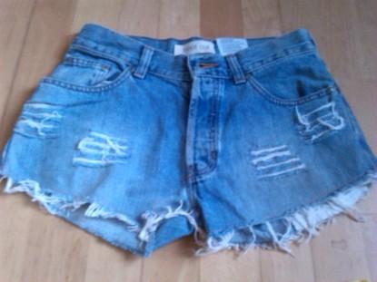 alt=<cut-off shorts>