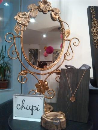 alt=<mirror>