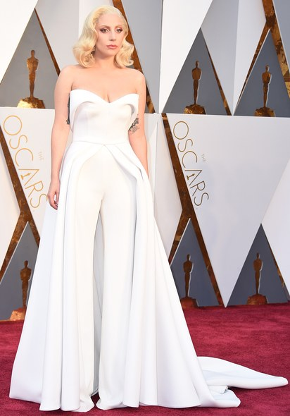 oscars-red-carpet-2016-best-dressed-lady-gaga.jpg