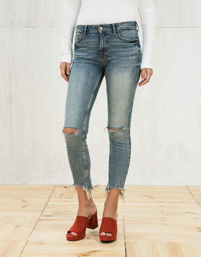 cropped frayed jeans.jpg