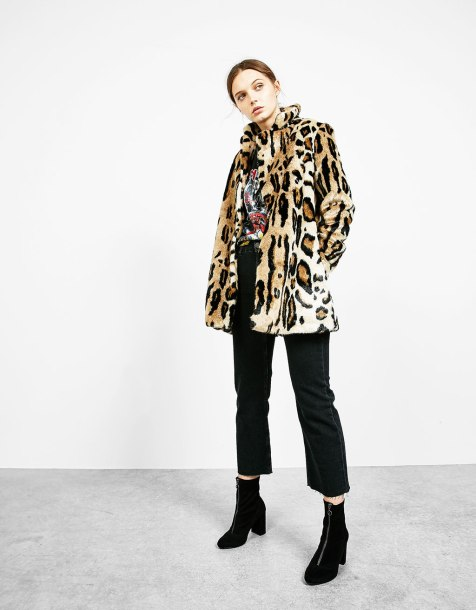 alt=< Bershka faux fur coat>