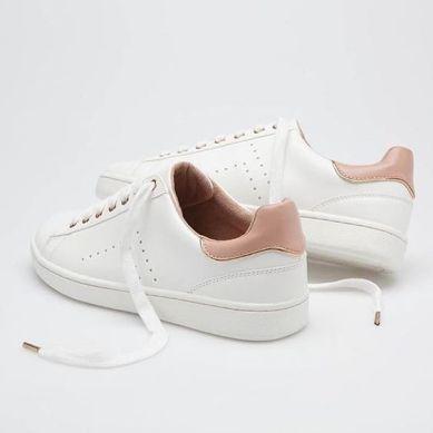 White trainers. Pic: Stradivarius.com