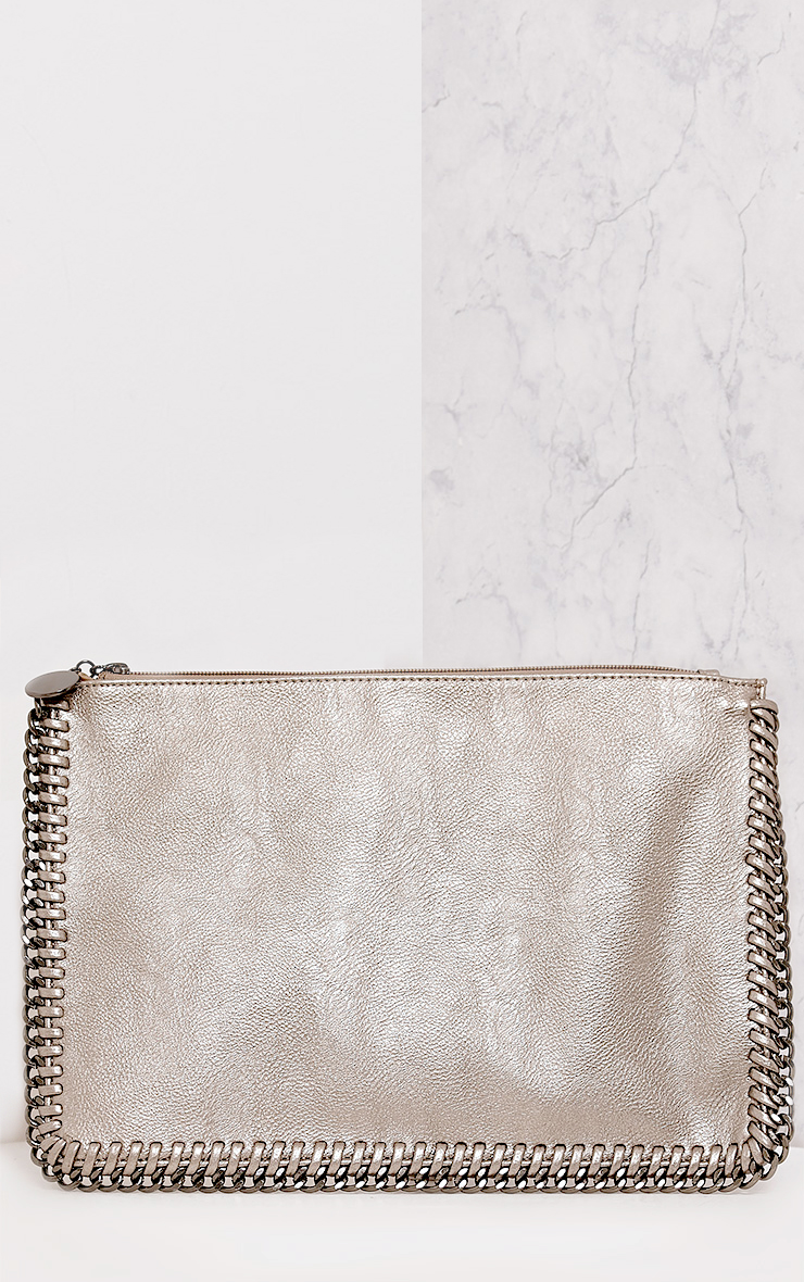 alt=< chain handbag>