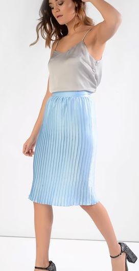 alt=<blue midi skirt>