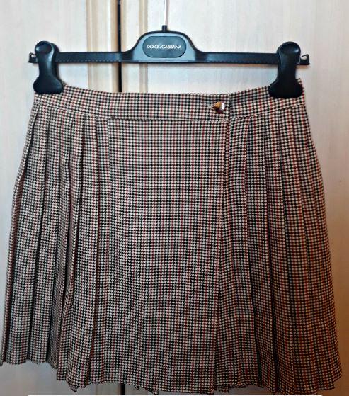 alt=<plaid-miniskirt-primark>