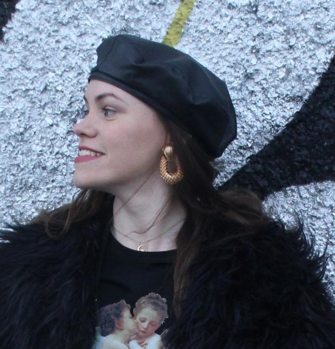 alt=<aliexpress-gold-earrings>